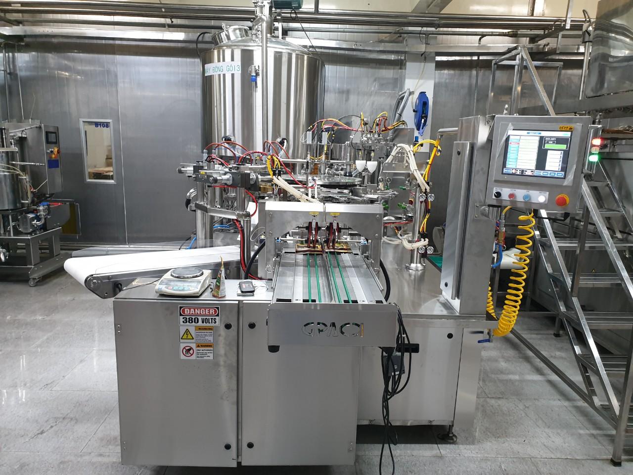 Máy đóng túi tiệt trùng tự động công suất 50 túi/phút